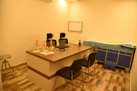 Doctor cabin at Alleviate Pain clinic